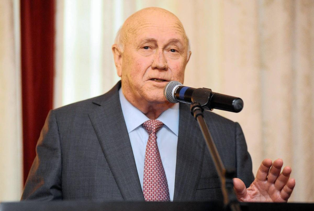 Why has history decided to judge F.W De Klerk so lightly?